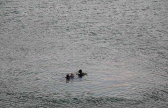Ailesini indirip, otomobili baraj gölüne sürerek intihar etti!