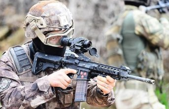 Suriye sınırında PYD/PKK'lı 4 terörist yakalandı