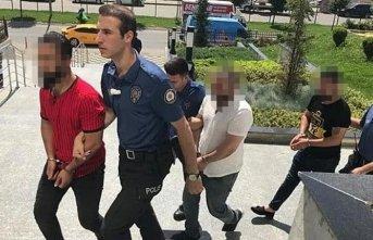 Kadın polislere sözlü taciz! - 4 kişi gözaltına alındı