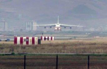 S-400 teslimatında 16. uçak Mürted Hava Üssü'ne...