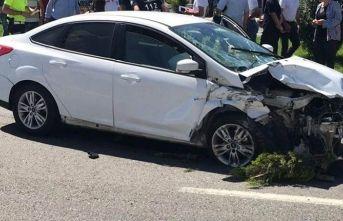 İki otomobil çarpıştı 3 yaralı   Ordu Haberleri