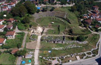 """""""Batı Karadeniz'in Efes'i"""": Prusias ad Hypium Antik Kenti dikkat çekiyor!"""