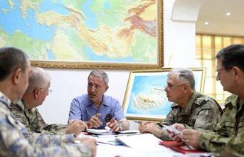 Bakan Akar'dan ABD ve Rusya'ya kritik Suriye...