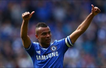 Ashley Cole futbolu bıraktı!