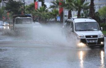 Yağmurlu hava hayatı olumsuz etkiledi