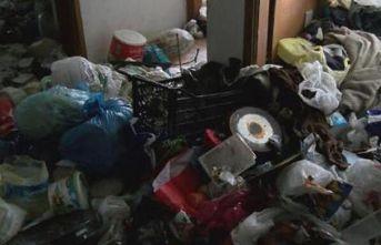 Karı kocanın yaşadığı evden tonlarca çöp çıktı!
