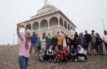 Kıble Dağı'ndaki camiye Arap turist ilgisi