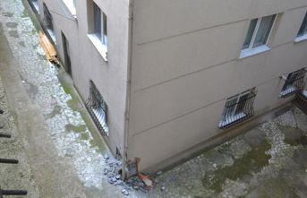 Sarıyer'de kolonları patlayan binanın tahliyesi devam ediyor