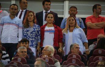 Ahmet Ağaoğlu maçı onlarla izledi! Anlamlı görüntü