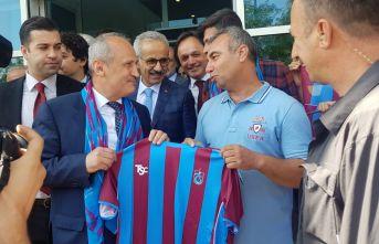 Bakan Turhan'a Mardin'de Bordo Mavi karşılama