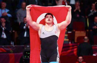 Rıza Kayaalp, 4. kez Dünya Şampiyonu oldu