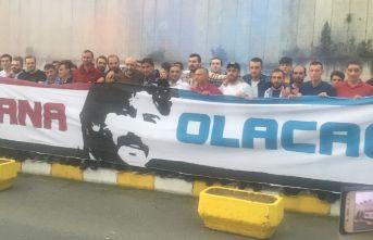 Trabzonspor yurda döndü! Ünal Karaman'a destek