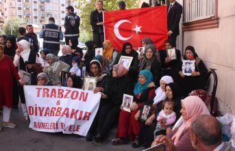 Trabzonlu şehit yakınları Diyarbakır annelerinin...