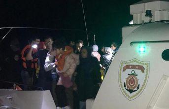 Lastik botta 48 kaçak göçmen yakalandı