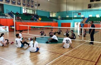 Oturarak Voleybol Turnuvası düzenlendi