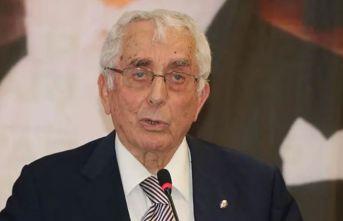 Eski bakan Ali Topuz hayatını kaybetti