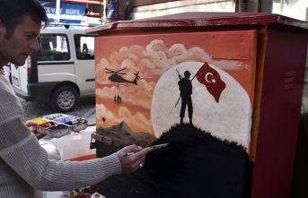 Gümüşhane'de caddelerdeki elektrik panoları sanat eserine dönüşüyor