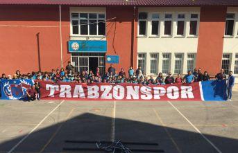 Trabzonspor taraftarı ve Köksal Babadan anlamlı destek