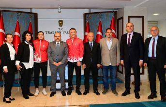 Busenaz Sürmeneli'den Trabzon Valisi Ustaoğlu'na ziyaret