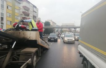 Avcılar E-5te trafiği kilitleyen kaza