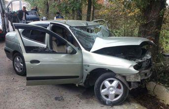 Ordu'da otomobil ağaca çarptı: 4 yaralı