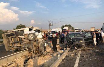 Trafik kazası: 1 ölü, başsavcı ile birlikte 9 yaralı