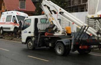 Rize'de ambulans ile kamyonet çarpıştı: 4 yaralı
