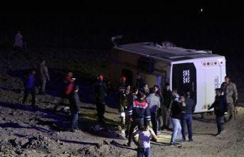 Van'da kaza! 26 Asker yaralandı!