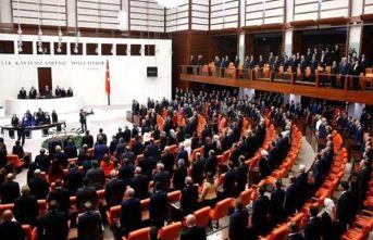 AK Partili vekilin istifası sonrası Meclis'te...