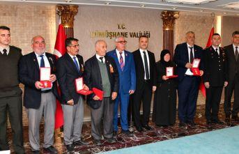 6 Kıbrıs gazisine madalya ve beratı verildi