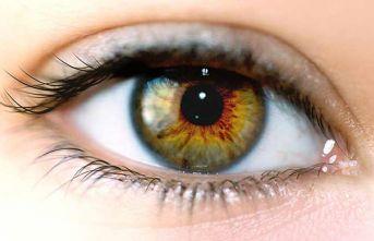 Gözlerdeki yorgun görüntüye dikkat