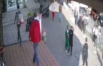 Başörtülü öğrencilere saldıran kadın gözaltında!