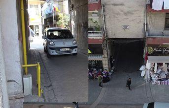 Samsun'da apartmanın attından yol geçiyor