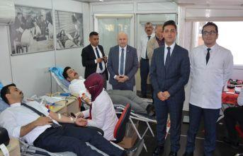 Başkan Kibar kan bağışında bulundu