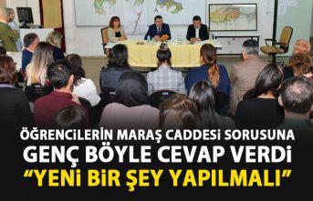 Öğrencilerden Ahmet Metin Genç'e soru yağmuru