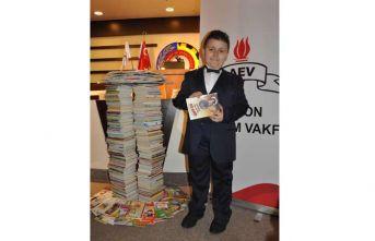 "8 yaşındaki Mahir Atabey, ""Kitap okuma rekortmeni""..."