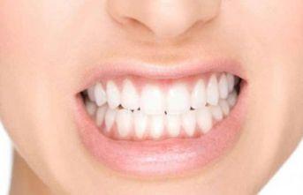 Stres diş sıkmaya sebep oluyor!