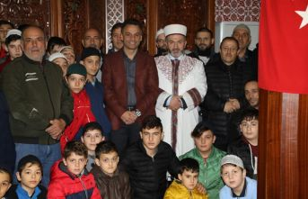 Başkan Koçhan'dan gençlere anlamlı ödül