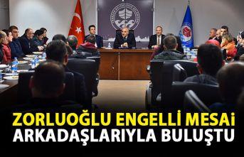 Başkan Zorluoğlu engelli mesai arkadaşlarıyla...