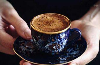 Her 100 Kişiden 63'ü Türk Kahvesini 'karşılıklı sohbet' için içiyor