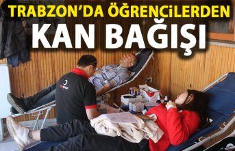 Trabzon'da öğrencilerden kan bağışı