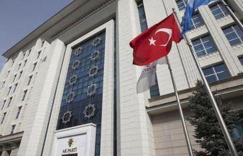 AK Parti'de 9 il, 40 ilçe başkanı görevden ayrıldı