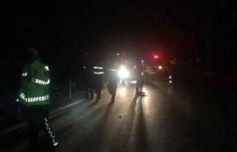İşçileri minibüs otomobile çarptı: 13 Yaralı