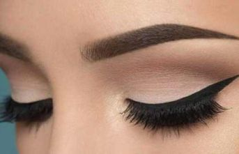 Göz makyajı yaparken dikkat!