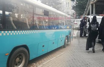 Otobüs bir anda karıştı! Uyuyan kadına iğrenç hareket!