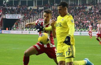 Sivasspor Fenerbahçe'yi devirdi