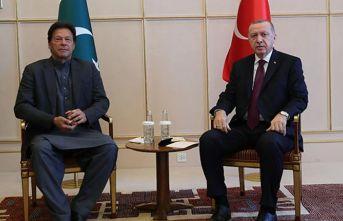 Erdoğan, Pakistan Başbakanı İmran Han ile görüştü