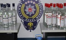 Foça'da yılbaşı öncesi bin 229 şişe kaçak...