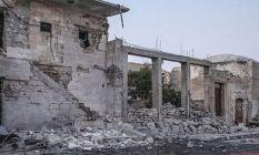Suriye rejim uçakları İdlib'e saldırdı