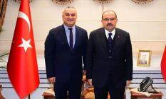 Vali Ustaoğlu'dan Külekçi'ye Tebrik